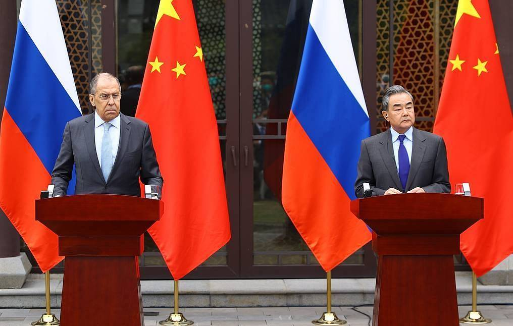 Russian Foreign Minister Sergey Lavrov and Chinese Foreign Minister Wang Yi The Russian Foreign Ministry's press office/TASS