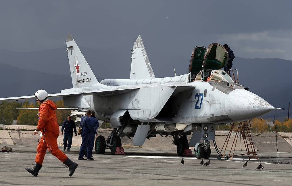 Russia's naval aircraft, strategic bombers destroy enemy warships in Sea of Japan drills
