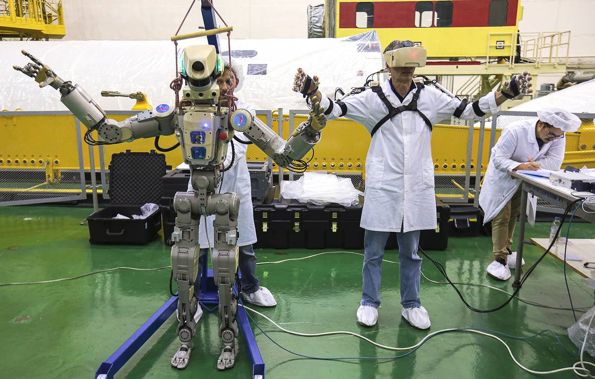 Strolling into the future: Russia could create freely-walking robot by 2023