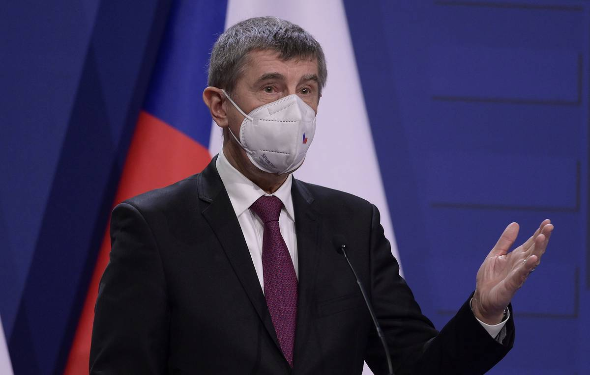 Czech prime minister urges de-escalation of tensions in relations with Russia