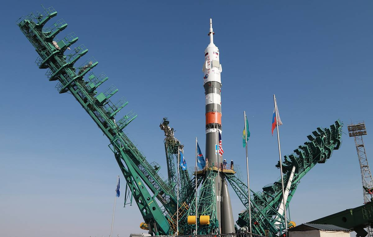ISS orbital altitude to increase by 350 m before Soyuz manned spacecraft's arrival
