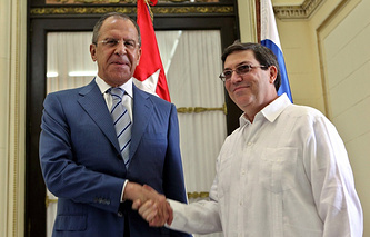Russian Foreign Minister Sergei Lavrov (L), Cuban Foreign Minister Bruno Rodriguez (R)