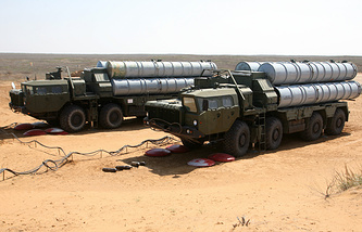 S-400 Triumph anti-aircraft missile systems a  the Ashuluk testing range