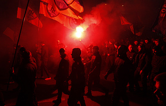 Right Sector activists march in Kiev (archive)