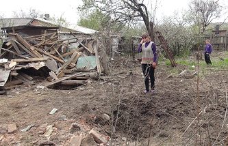Residential building destroyed in a shelling attack in the village of Gorlovka (archive)