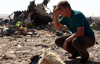 Russian Transport Minister Maxim Sokolov at the crash site