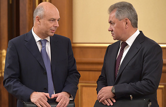 Russian Finance Minister Anton Siluanov and Defence Minister Sergei Shoigu