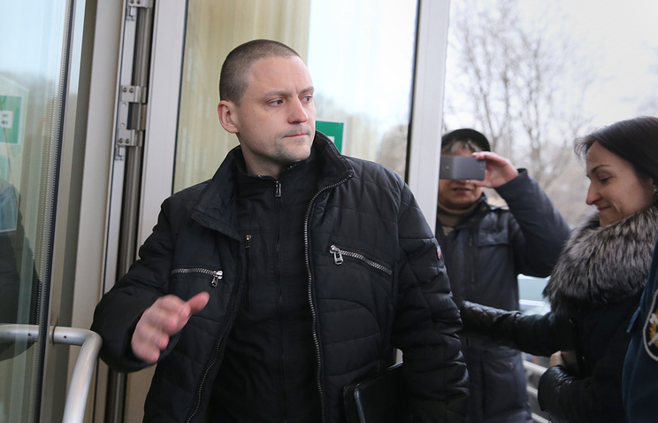 Sergei Udaltsov entering the Moscow City Court for his trial