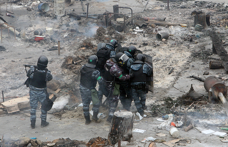 Riot police during clashes in Kiev (archive)