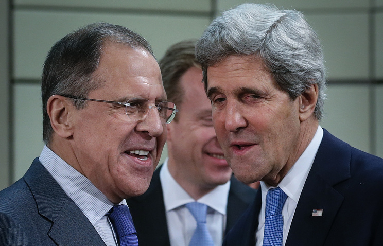 Sergei Lavrov and John Kerry (archive)