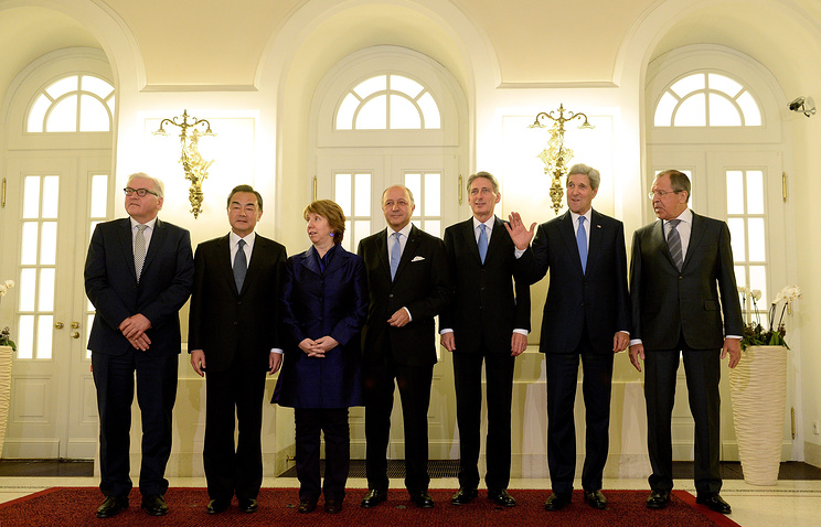 (L-R) Geman Foreign Minister Frank Walter Steinmeier, Chinese Foreign Minister Wang Yi, EU High Representative for Foreign Affairs and Security Policy Catherine Ashton, French Foreign Minister Laurent Fabius, British Foreign Secretary Philip Hammond, US Secretary of State John Kerry and Russian Foreign Minister Sergey Lavrov during the talks in Vienna