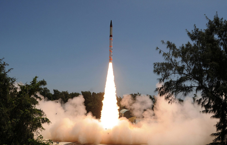 Launch of Agni-IV ballistic missile (archive)