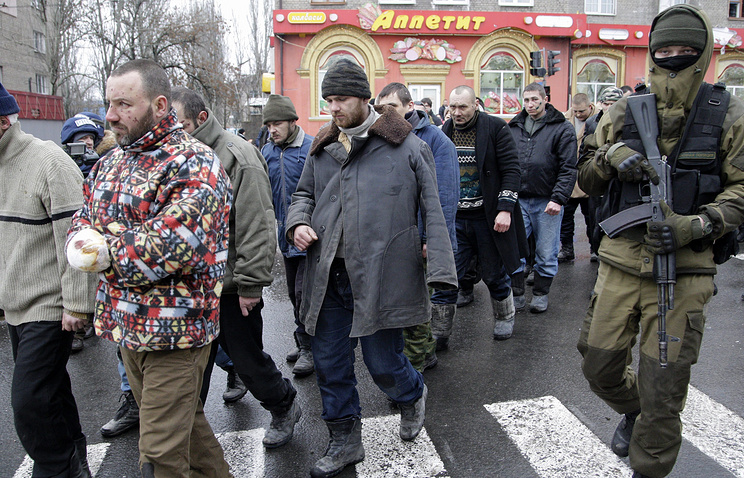 Ukrainian war prisoners seen in donetsk
