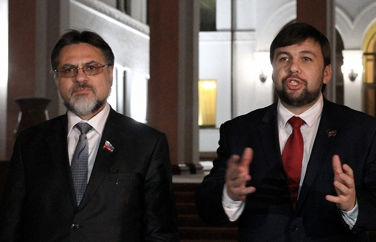 Vladislav Deinego (left), Denis Pushilin (right)