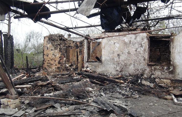 Destroyed residential building in Gorlovka (archive)