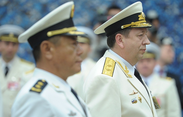Chief Commander Viktor Chirkov (right)