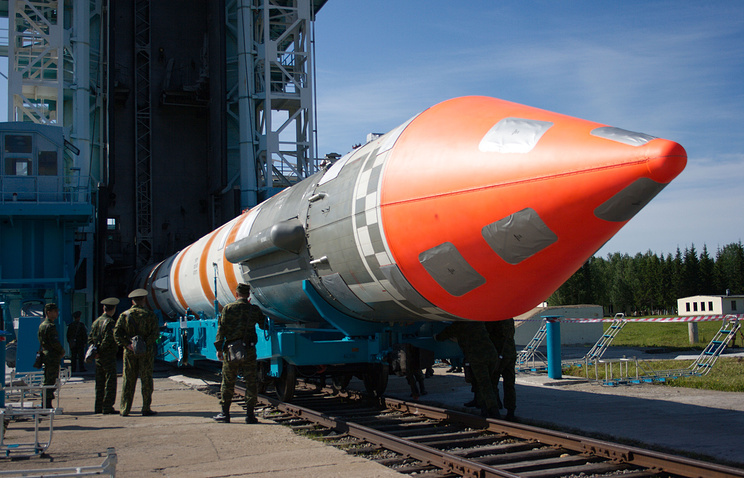 Installation of space launch vehicle with satellites aboard at Plesetsk Cosmodrome (archive)