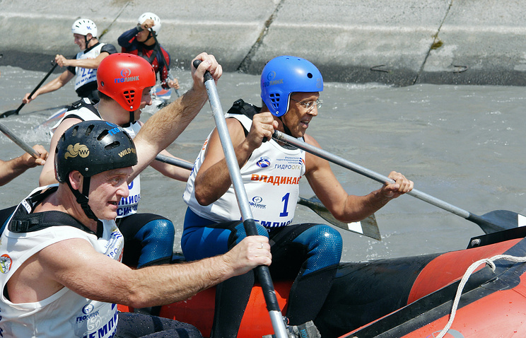 Russian Foreign Minister Sergey Lavrov participating at rowing slalom event (archive)