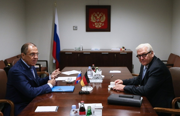 Russian Foreign Minister Sergey Lavrov and German Foreign Minister Frank-Walter Steinmeier