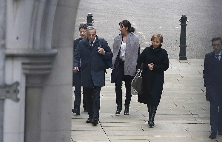 Marina Litvinenko, second right, widow of former FSB officer Alexander Litvinenko, at The Royal Courts of Justice  in London