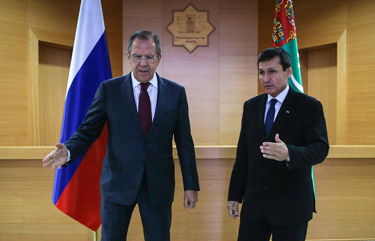 Russian and Turkmen Foreign Ministers Sergey Lavrov and Rashid Meredov