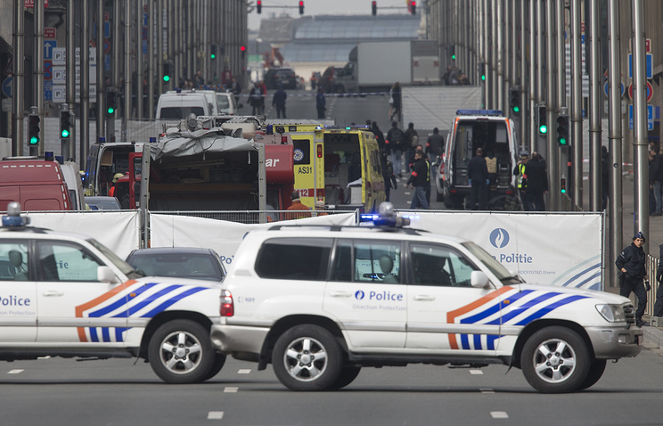 Emergency workers and police at Rue de la Loi, Brussels
