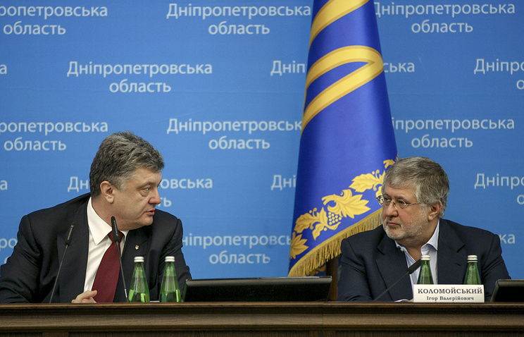 Igor Kolomoisky (right) and Ukraine's President Petro Poroshenko (archive)