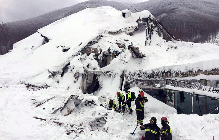 More people rescued at Italian avalanche site