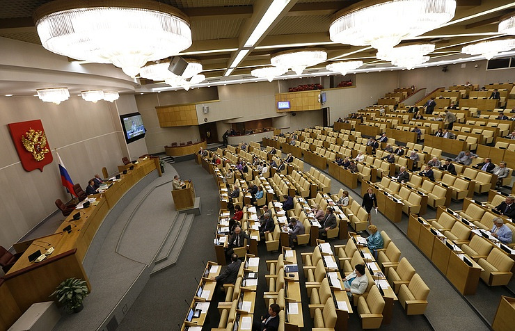 Russian legislators approve bill targeting foreign media
