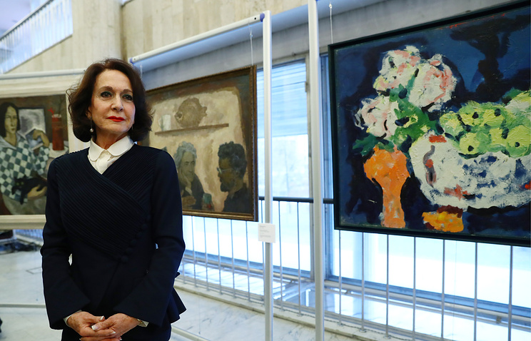 Dolores Tomas, President and Curator of Surikov Foundation, during a ceremony to hand over 58 Russian and Soviet artworks to Russia