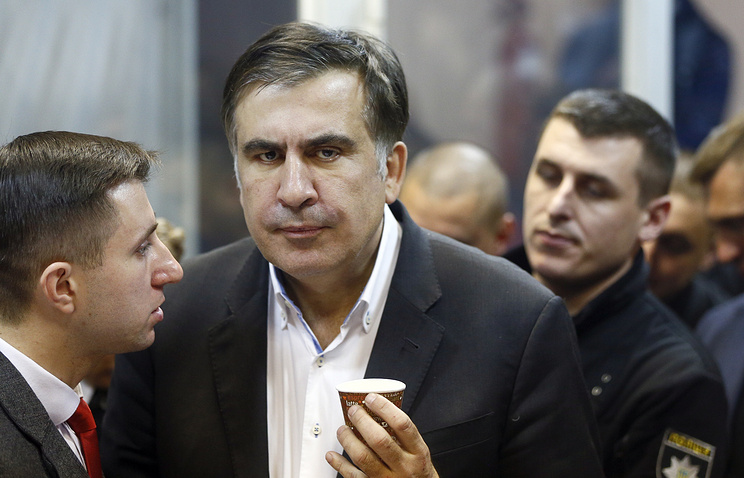 Saakashvili freed by Ukraine court, urges government change