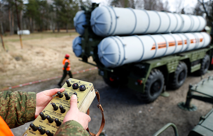 Russian Federation  and Turkey Seal Deal on Controversial Missile System