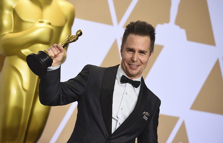 Sam Rockwell dedicates Oscar win to his 'old buddy' Philip Hoffman