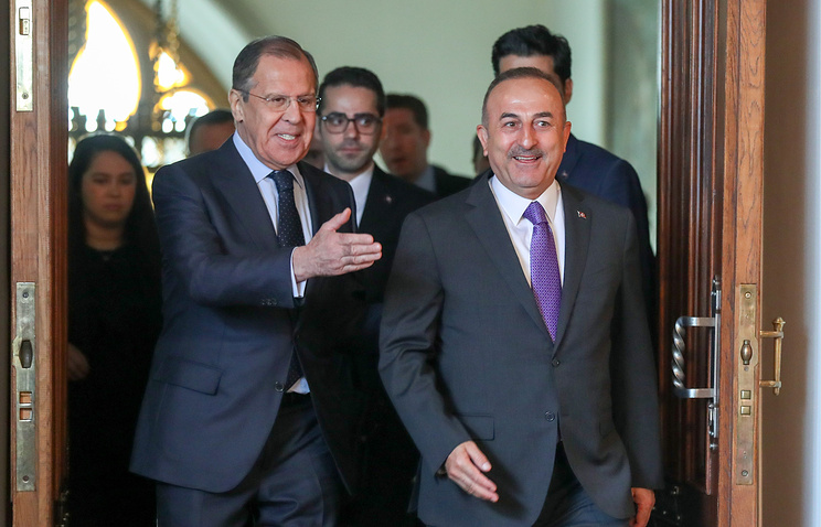 Russian Foreign Minister Sergey Lavrov and Turkish top diplomat Mevlut Cavusoglu