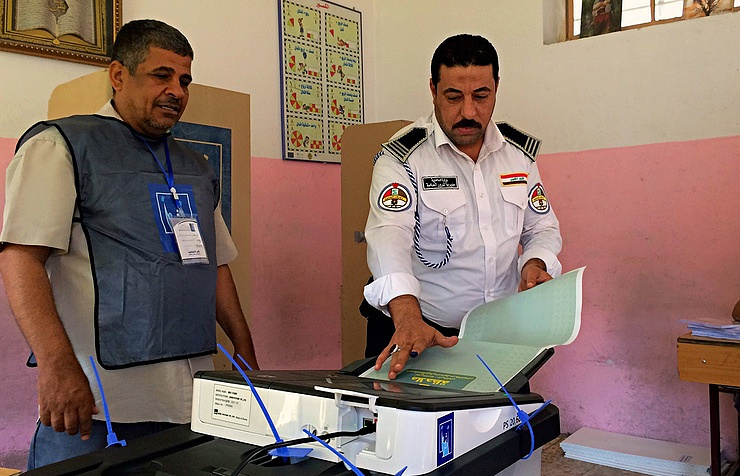 Iraq prime minister Haider al-Abadi appears to be ahead in poll