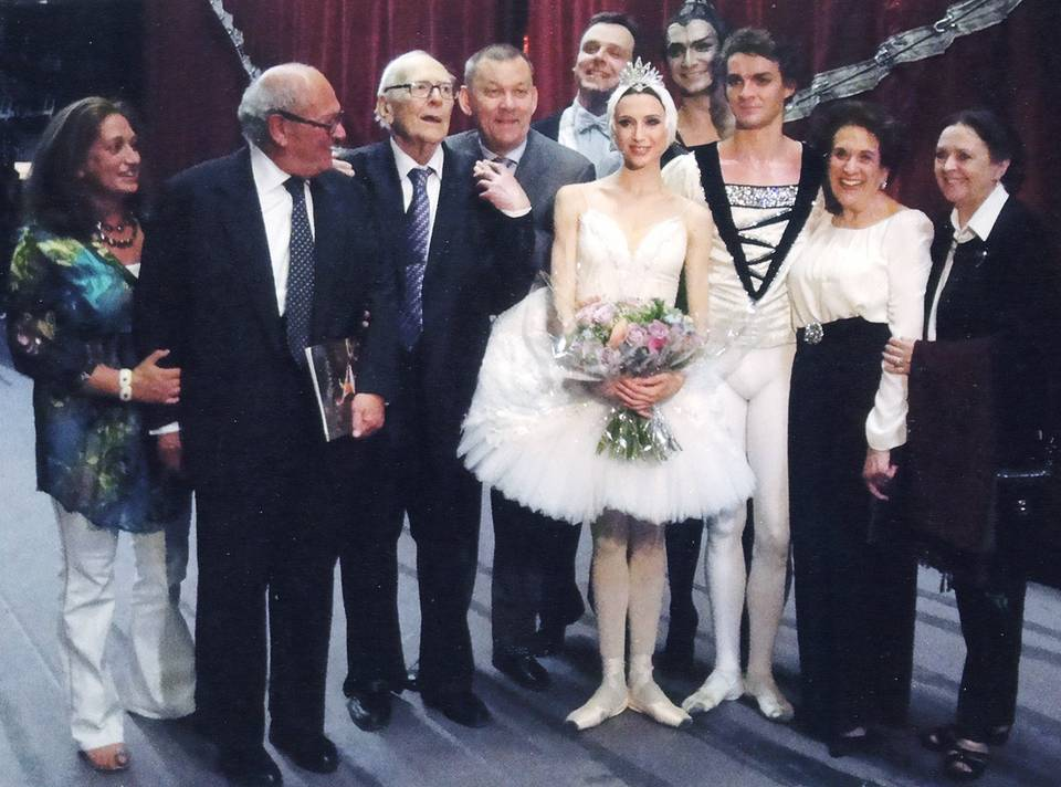 With Victor and Lilian Hochhauser and prima ballerina Svetlana Zakharova on the Covent Garden stage Personal archive of Vladimir Urin