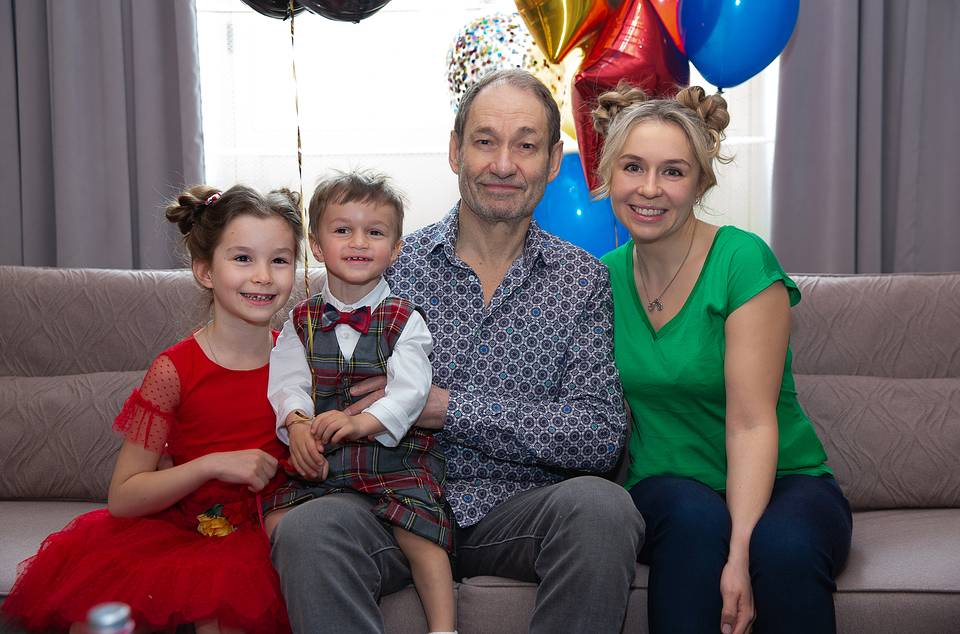 With his wife Anastasia and children Zoya and Mark Personal archive of Leonid Boguslavsky