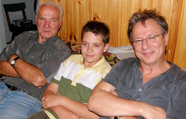 With his father Vladimir and son Alexander, 2005 Personal archive of Alexander Galitsky